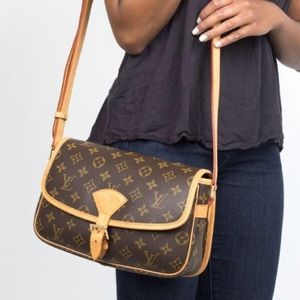 Auth Louis Vuitton Sologne Crossbody Bag